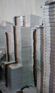 """מאות אלפי ספרים נמכרים ביריד. האירוע יימשך גם במוצ""""ש. 4 במאה ללא יוצאים מן הכלל. גם ספרי התבוננות וסודו של הרבי במבצע (מאחר והספרים מסובסדים אפשר לקנות רק אחד מכל סוג)"""