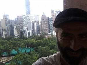 בוקר טוב הונג קונג. הנוף מהקומה ה-12. עוד סיור קצר והערב כבר ממשיכים להרצאה הבאה בשיקגו, דרך סיאול בטיסה ארוכה ארוכה.