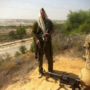 """שליח בית חב""""ד ראשון לציון במבצע צוק איתן"""